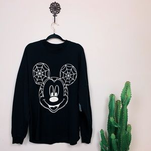 🌚 GLOW IN THE DARK Mickey Mouse Spirit Jersey